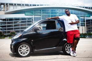 Texans Duane Brown in a Smart Car (Photo: Sunshine Winters Photography)