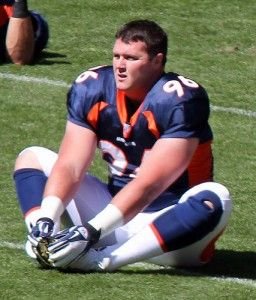 Denver Broncos Mitch Unrein warming up