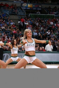 Lauren's got moves (photo courtesy Milwaukee Bucks)