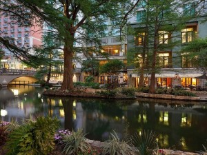 The Hotel Contessa is situated right on the River Walk. Photo courtesy of Hotel Contessa