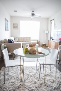 Photo: Sunshine Winters Photography (table: DIY project, furniture: Apt2b)